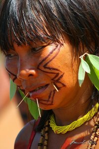 Un indio dell'Amazzonia brasiliana